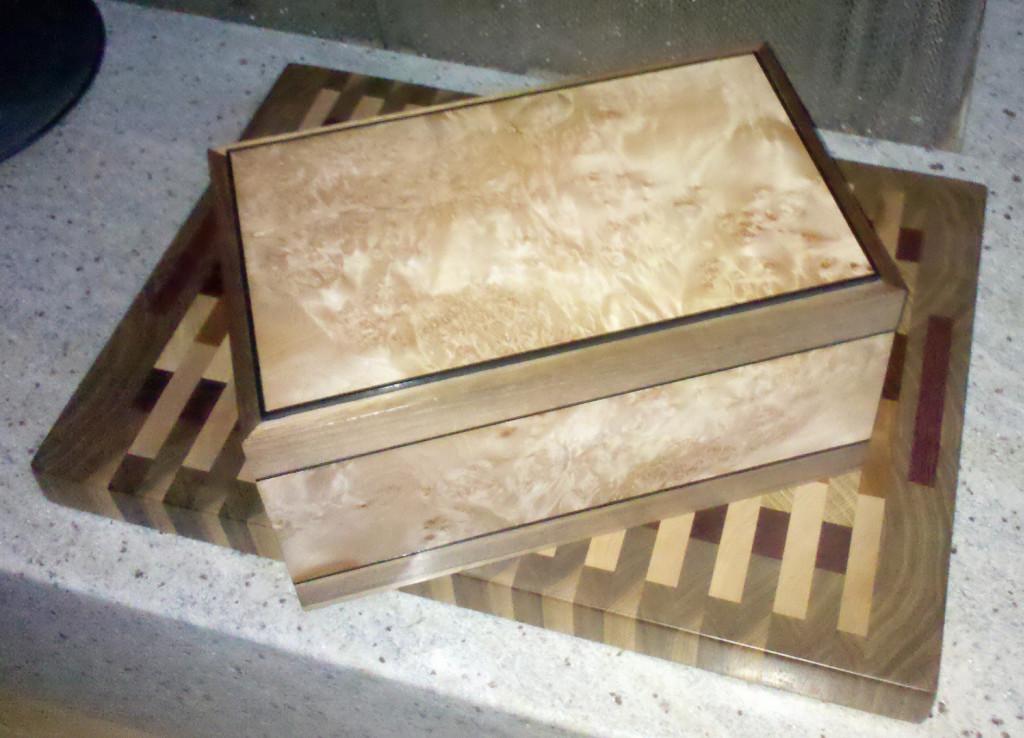 box and cuttingboard